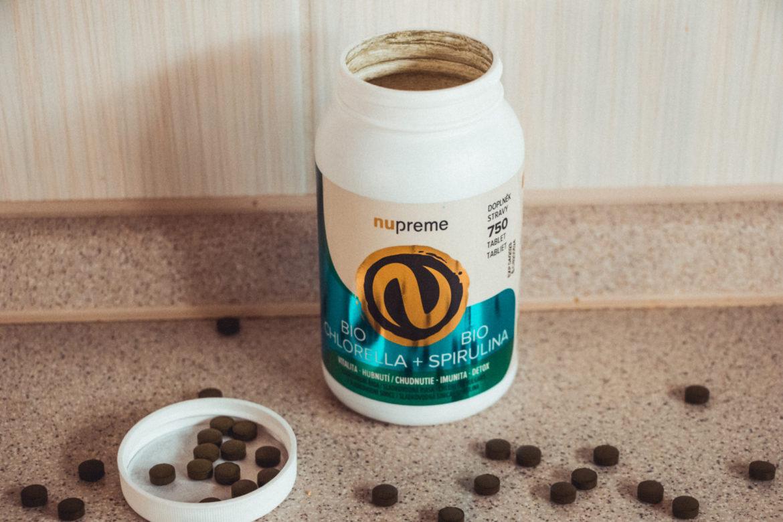 Vitamín spirulina a chlorella